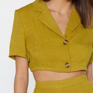 In It to Linen It Cropped Shirt